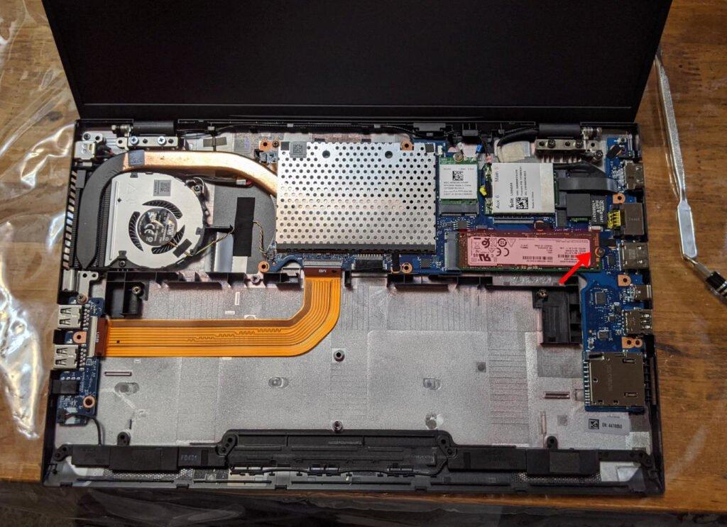 m.2のSSDを取り外します