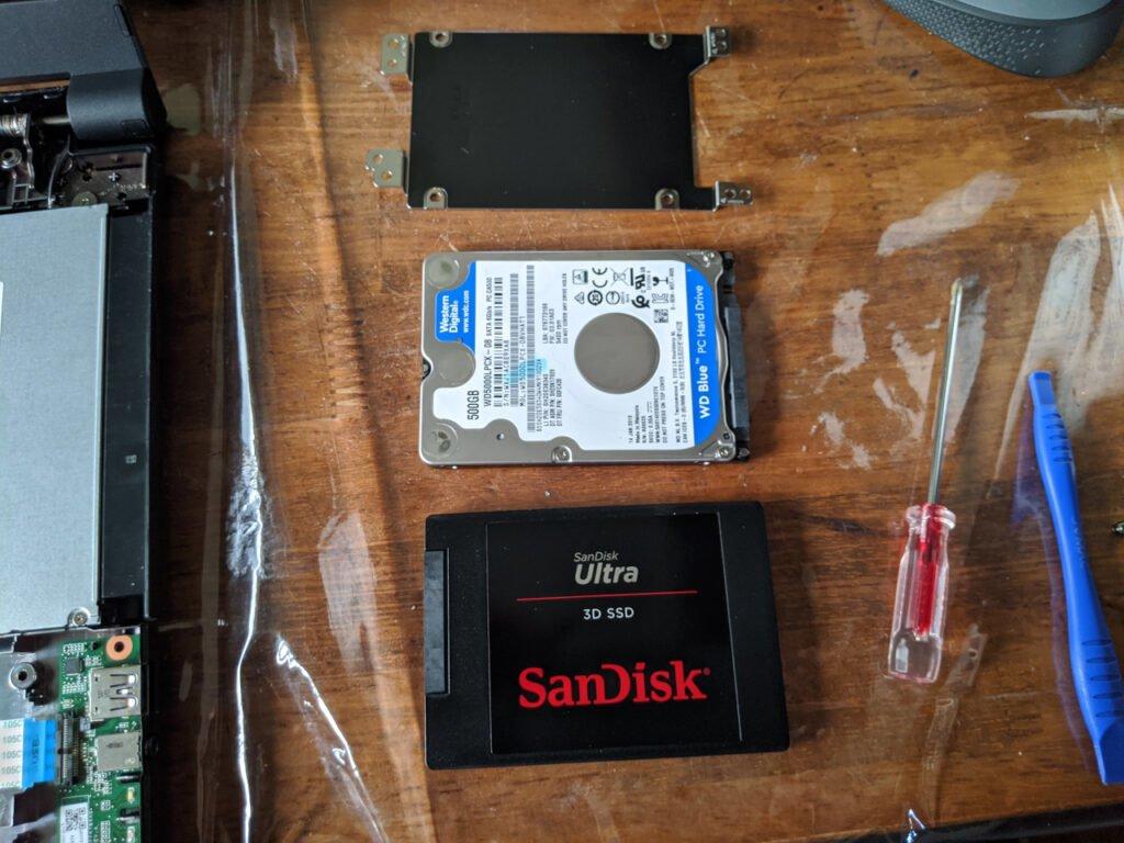HDDとSSDを入れ替える